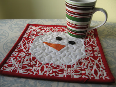 8 Free Quilted Christmas Mug Rug Patterns Quilting