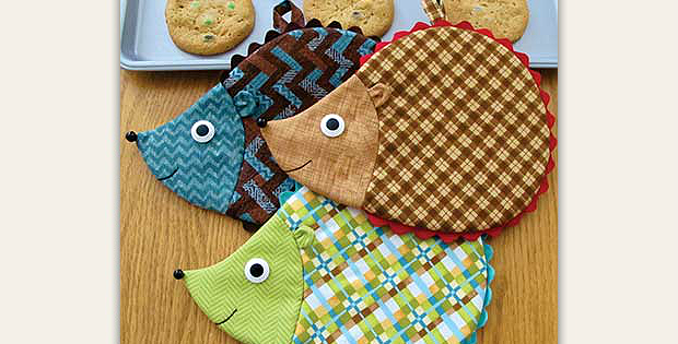 kitchen hot pads sink grinder friendly hedgehogs will brighten any quilting digest hedge fun pad pattern