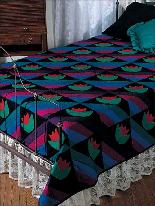 Amish Tulips Bed Quilt