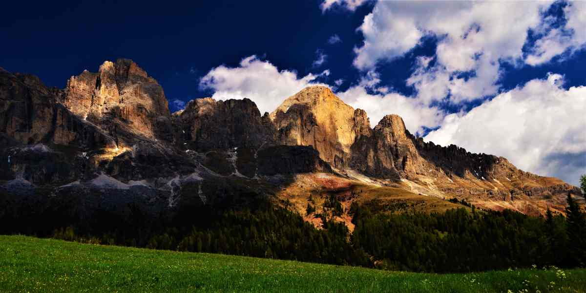 Photo POSTcard: Italy's Majestic Dolomites