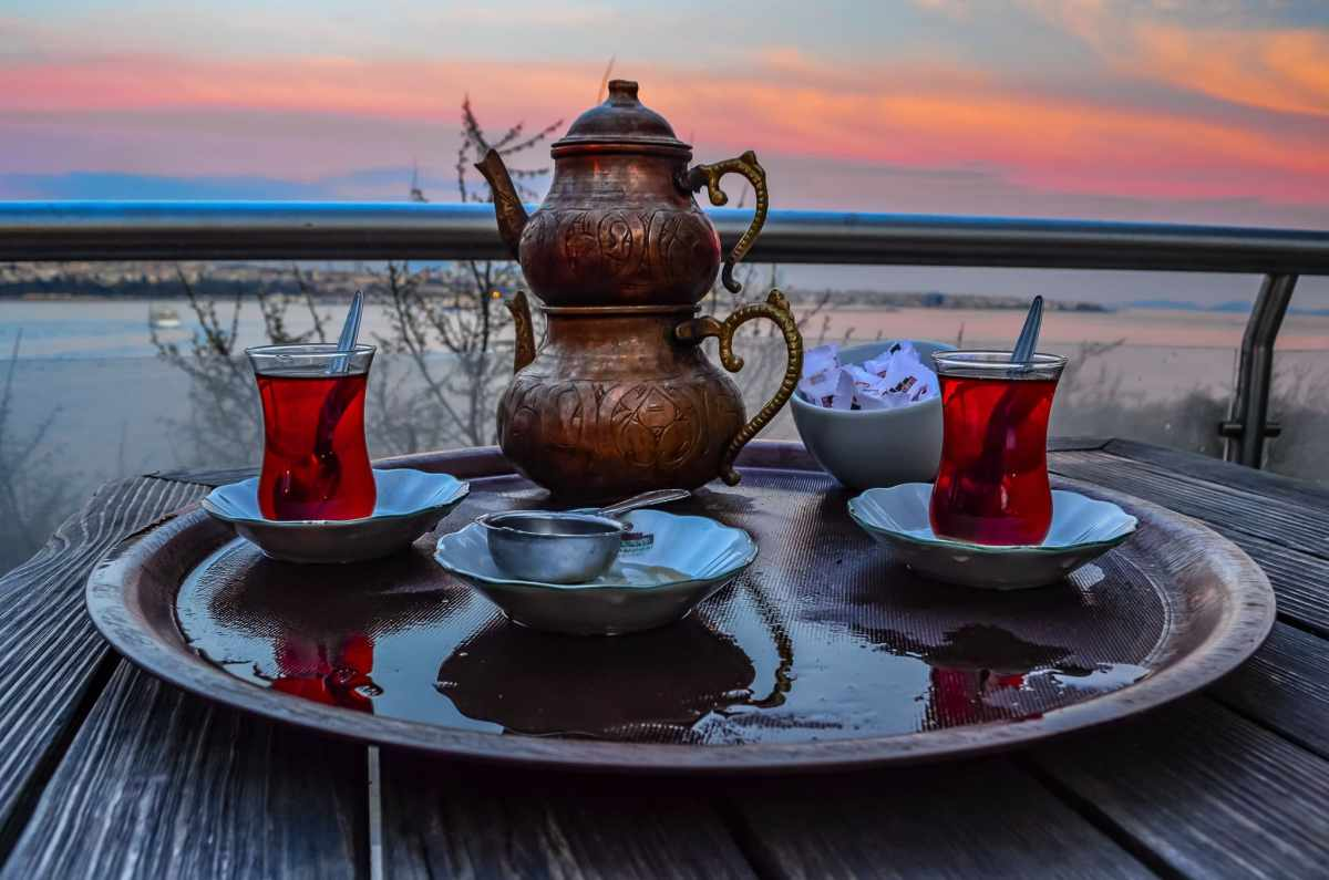 PhotoPOSTcard: Traditional Turkish Tea - a True Istanbul Experience