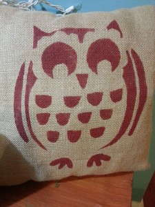 burlap owl pillow by homeecqueen