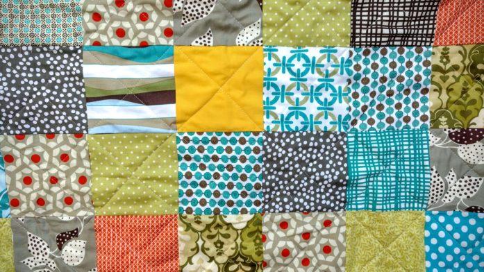 scrappy charm boy's quilt (4)
