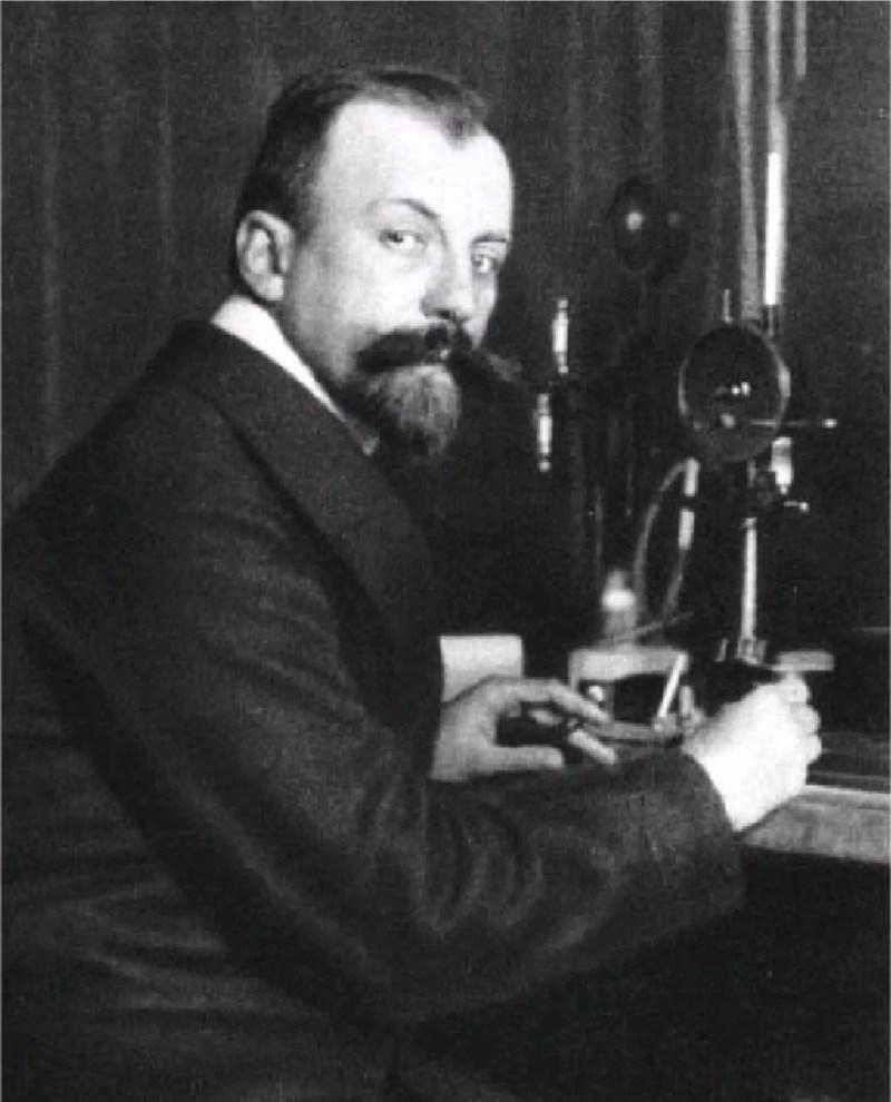 Carl Dietrich Harries en su laboratorio