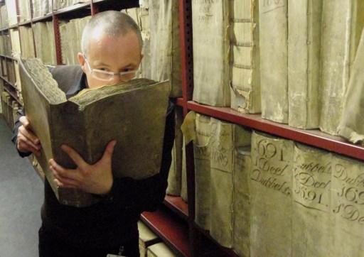El olor de los libros es cautivante gracias a muchos compuestos orgánicos volátiles (COV) que generan estímulos sensoriales agradables
