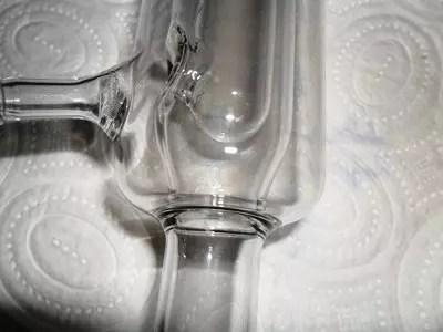 Detalle entrada de refrigerante en un condensador Davies