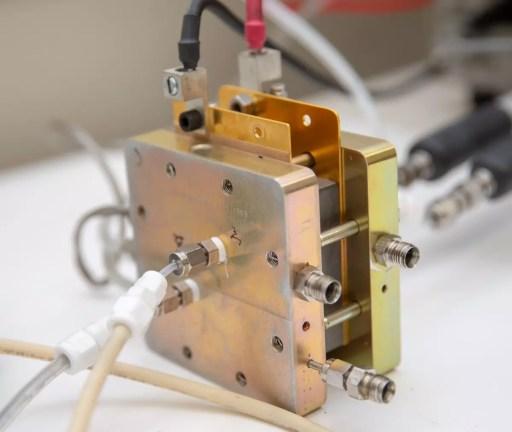 Pila de combustible a escala laboratorio