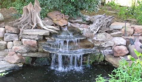 Garden Waterfall - quinju.com