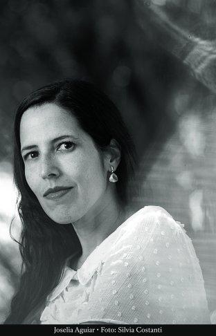 A autora Joselia Aguiar.