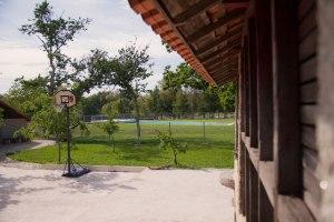 Quinta do Caminho: Cesto de Basquetebol e Piscina