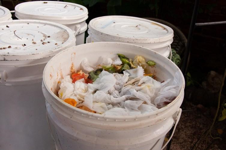 separacao-lixo-curitiba-compostagem-reciclavel-como-fazer-02