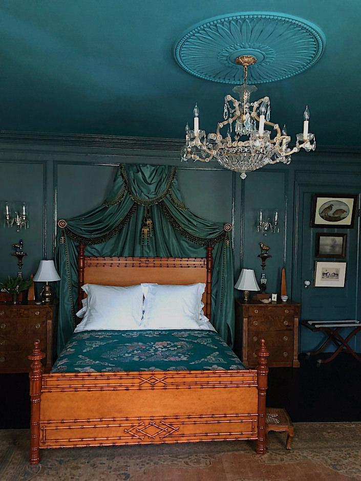 Susan and Will Brinson guest bedroom via Quintessence