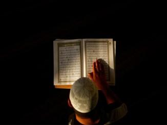 Kamu Muslim dan Penghapal Al-Quran yang Baik? Ini Kampus yang Menawarkan Beasiswa untuk Kalian!