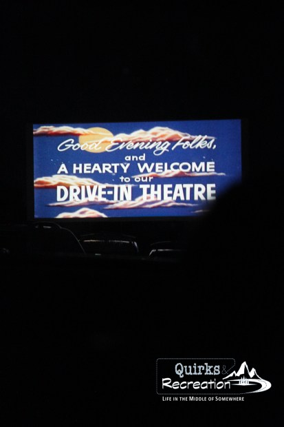 Welcome message on the screen at the Holiday Twin Drive-in