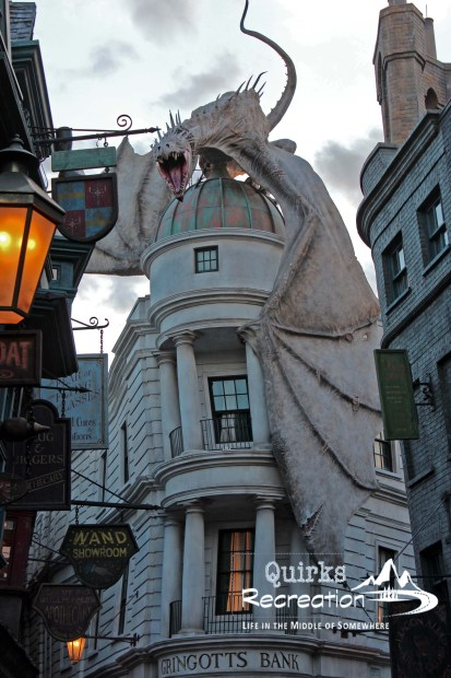 dragon perched on top of Gringotts Bank Universal Studios