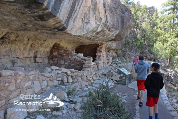 hikers on the Island Trail at Walnut Canyon