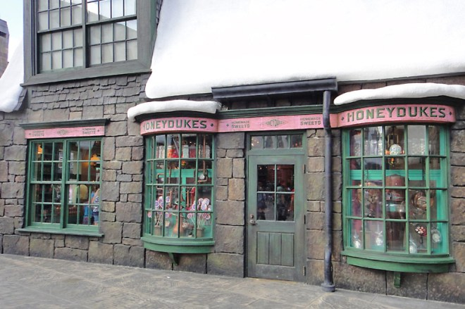 honeydukes-at-wizarding-world-orlando