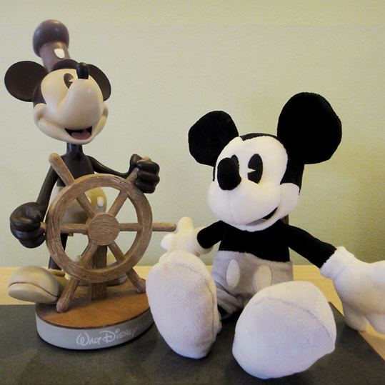 steamboat-willie-mickey-mouse-souvenirs