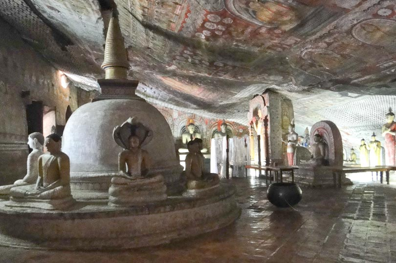 dambulla-rock-caves-b