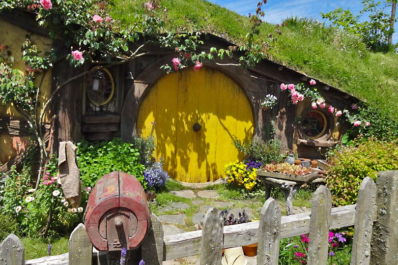 Discover the real Middle Earth at the Hobbiton Movie Set near Matamata in the North Island of New Zealand.