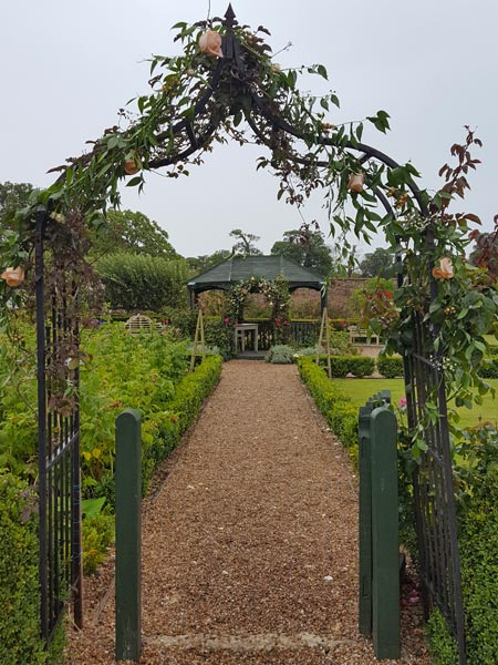 You can get married at The Secret Garden