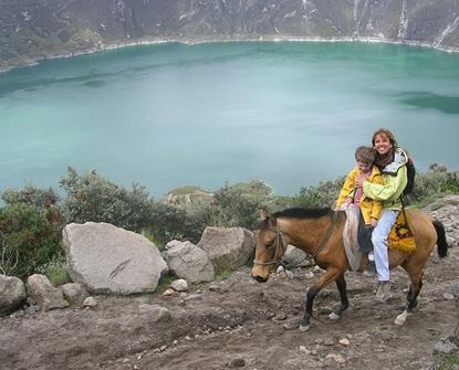 Quilotoa Lagoon - Travel Ecuador   Quirutoa