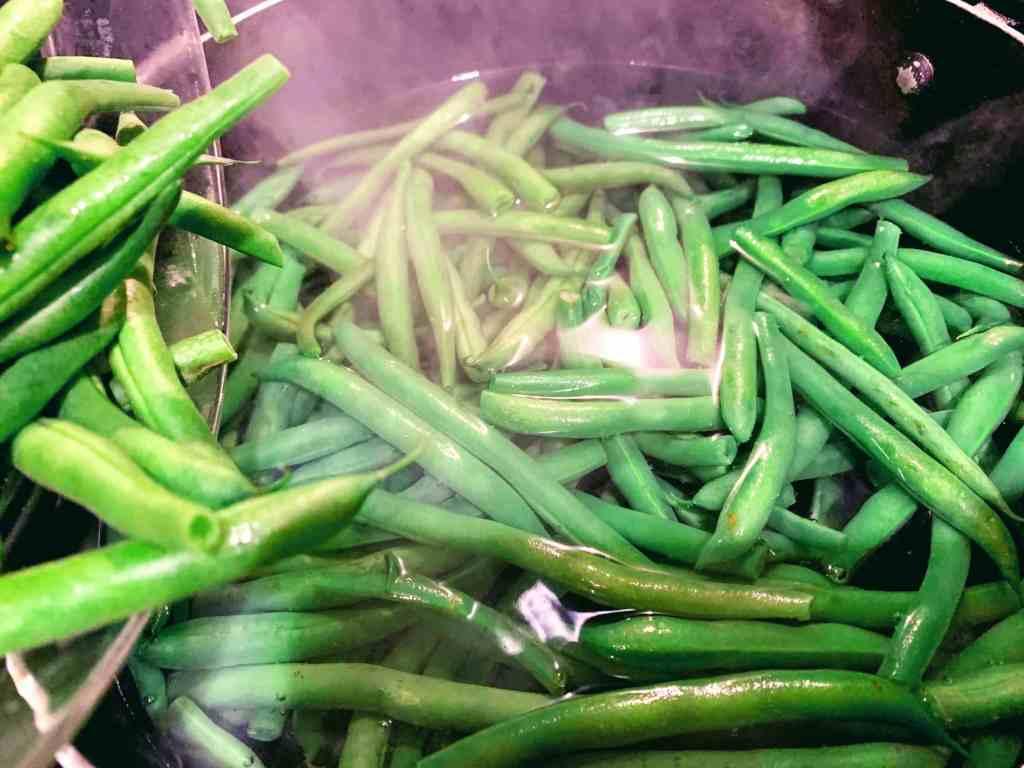 Cilantro Pepper Green Beans_blanch beans