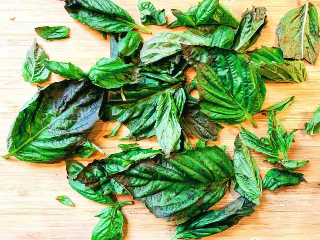 Chunky Basil Oil_herbs topview