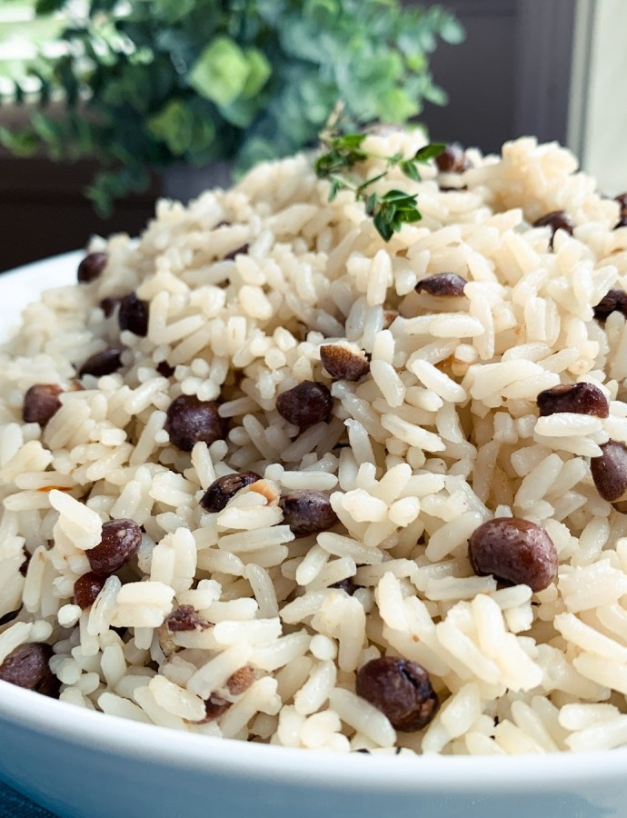 Jamaican Rice and Gungo Peas (Pigeon Peas)