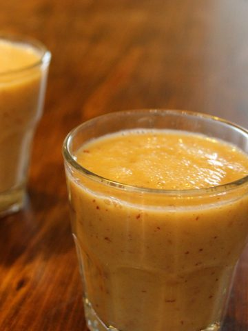 Spiced apple smoothie.