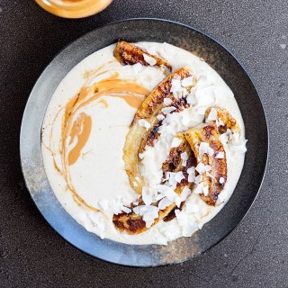 Raw buckwheat porridge with grilled bananas and peanut butter.