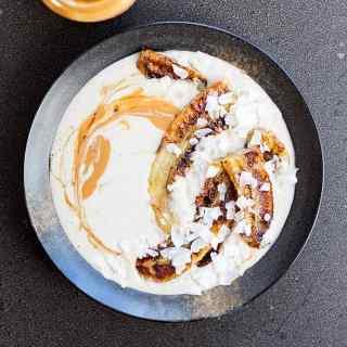 Raw buckwheat porridge with grilled bananas