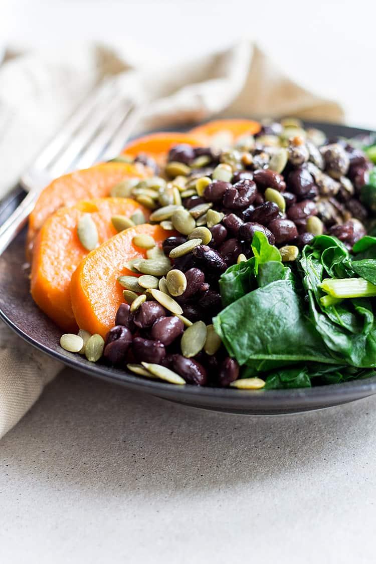 Black bean protein bowl (vegan and gluten free).