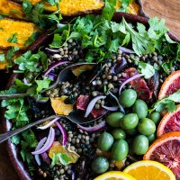 Lentil salad with orange, dates and kale (vegan and gluten free).