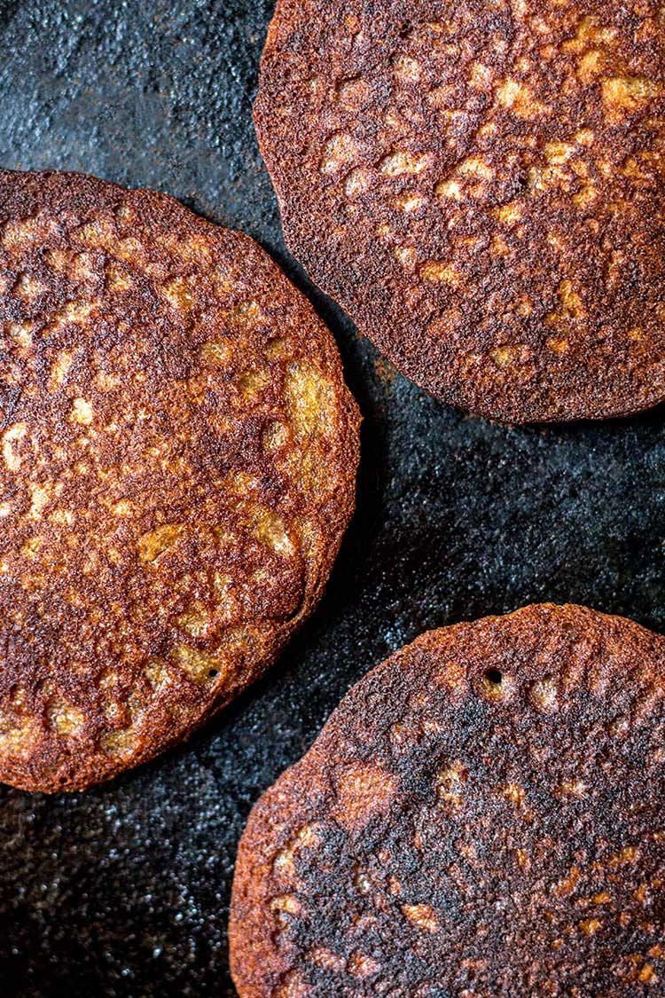 Buckwheat pikelets in the skillet.