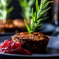 Little lentil loaf with mushrooms and sage