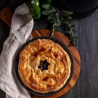 Mushroom, onion and lentil pie