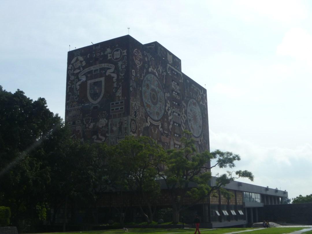La universidad también tiene como función contribuir al aumento de la calidad de vida de la población. Foto:  Diana Castillo