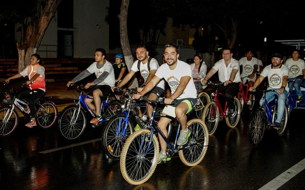 Jóvenes promueven uso de la bicicleta como medio alternativo