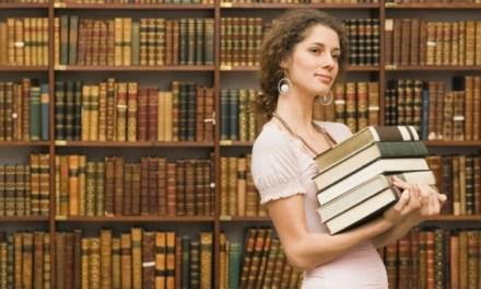 Becas para Mujeres en las Humanidades y las Ciencias Sociales