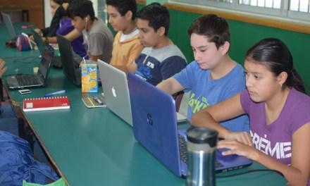 Women Who Code Mérida y MayaHub imparten curso de programación en la Secundaria Federal N. 5