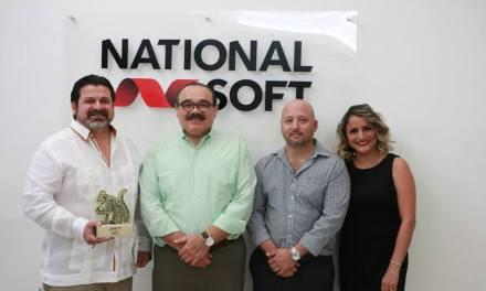 """Entregan reconocimiento """"Orgullo yucateco"""" a National Soft"""