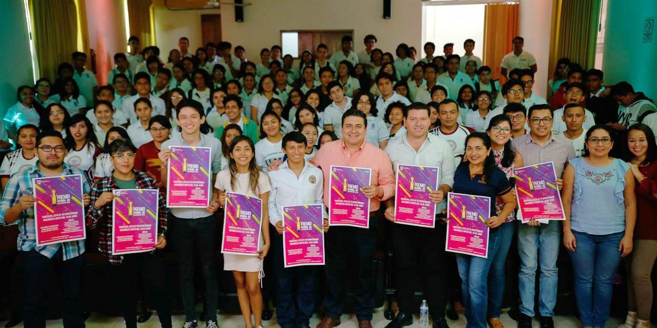 Abre convocatoria para el Premio Estatal de la Juventud 2018