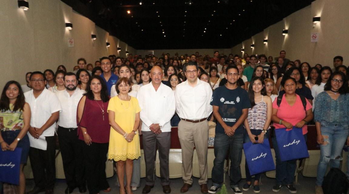 Calidad educativa de la UADY atrae a estudiantes de todo el mundo