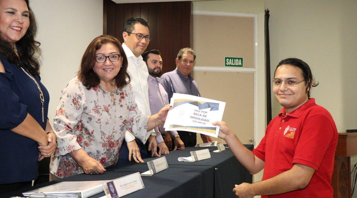 Estudiantes de la UADY Realizarán Estancias en Instituciones Educativas Nacionales y Extranjeras