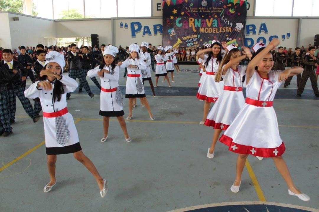 Carnaval Escuela Modelo 3