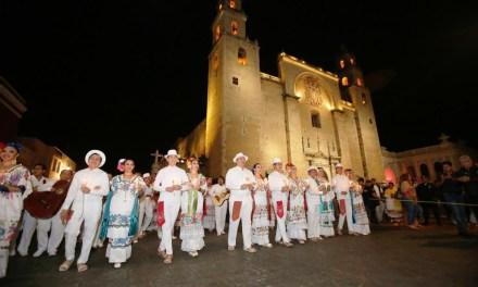 Emotivo inicio de los festejos por el 478 aniversario de Mérida