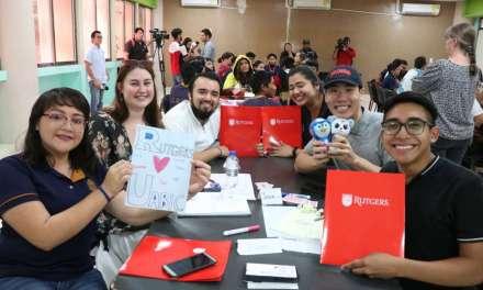 Académicos y estudiantes de la Universidad Rutgers de Nueva Jersey visitan la UABIC