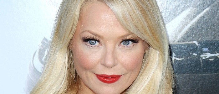First Images Of Charlotte Ross As Felicity's Mother