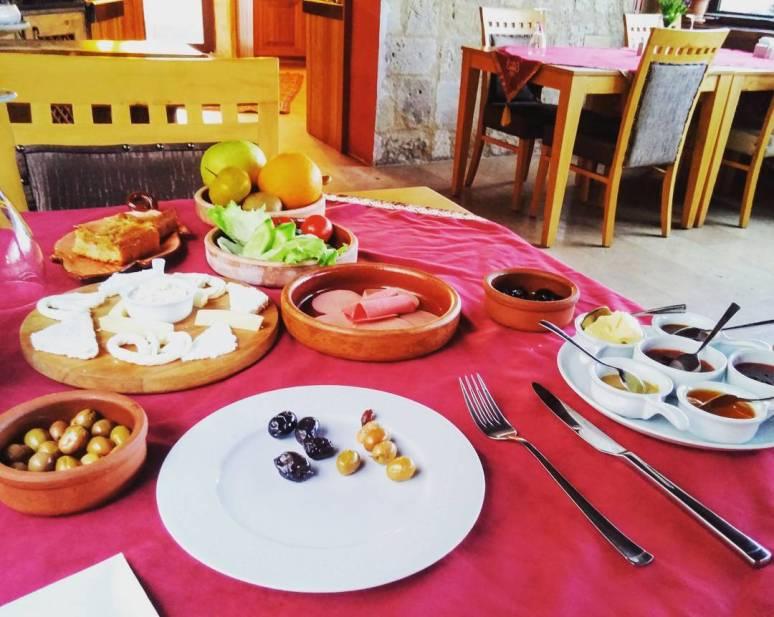 Turkish_breakfast
